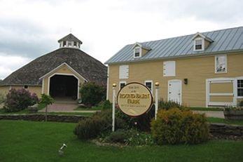 The Inn at the Round Barn Farm