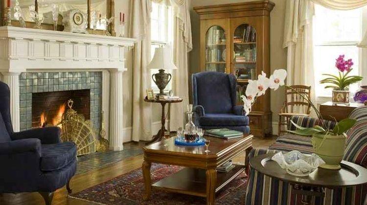 1889 WhiteGate Inn & Cottage Lobby