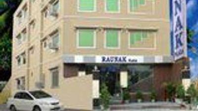 Hotel Raunak International