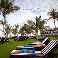JA Palm Tree Court