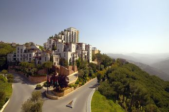 Grand Hills, a Luxury Coll Hotel & Spa