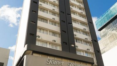 Hotel Tower House Suites