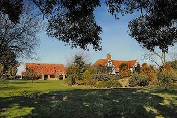 Ye Olde Plough House