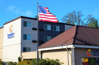 Comfort Inn & Suites Portland-West