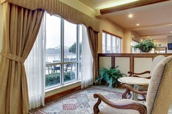 Clarion Suites Riverfront Vidalia