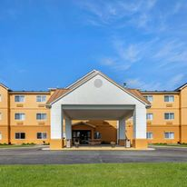 Quality Inn & Suites Bay City