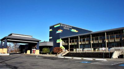 The Riverfront Hotel-SureStay Coll by BW