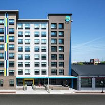 Tru by Hilton Baltimore Harbor East