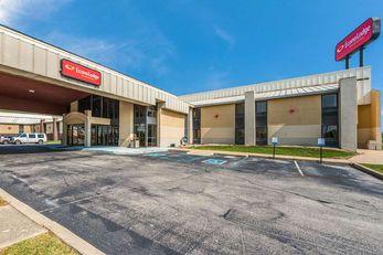 Econo Lodge Inn & Suites Lafayette East
