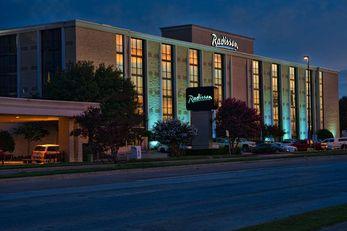 Radisson Hotel Fort Worth North
