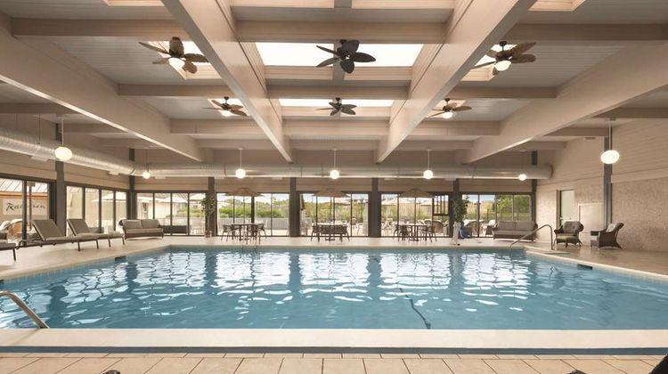 Radisson Grand Rapids Riverfront Pool