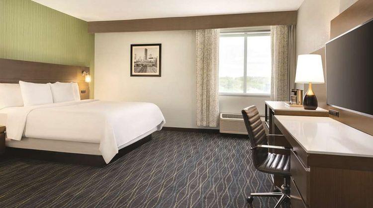 Radisson Grand Rapids Riverfront Suite