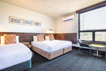 Nightcap At Glengala Hotel