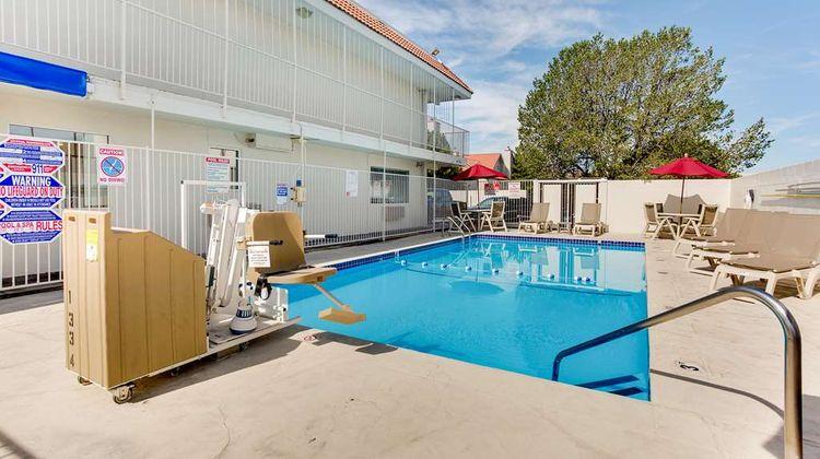 Motel 6 Albuquerque Carlisle Pool