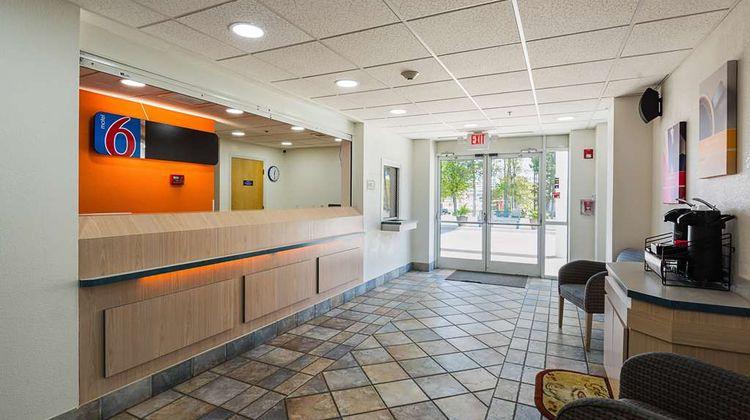 Motel 6 Athens Lobby