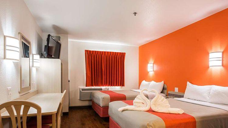 Motel 6 Athens Room