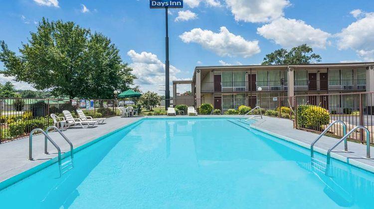 Days Inn Hurricane Mills Pool