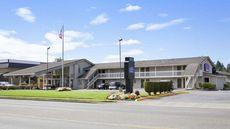 Howard Johnson Inn & Suites Tacoma