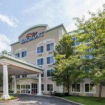 Baymont Inn & Suites Grand Rapids N
