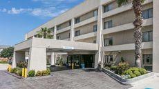 Baymont Inn & Suites Arlington