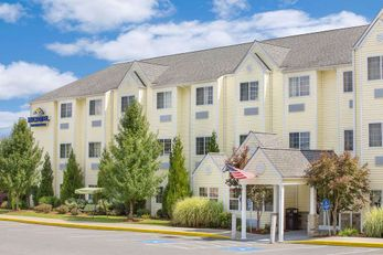 Microtel Inn/Suites by Wyndham Beckley E