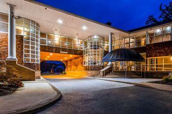 Best Western Plus The Inn Stes at Falls