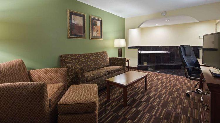 Best Western Of Walterboro Suite