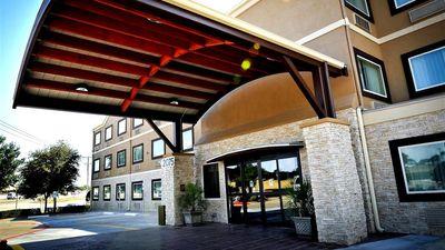 Best Western Plus Arlington North Hotel