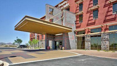 Hampton Inn & Suites Riverwalk