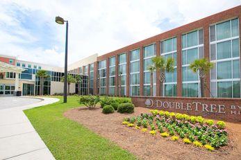 Doubletree Hotel & Stes Charleston Arpt