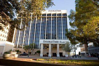 DoubleTree by Hilton Hotel Midland Plaza