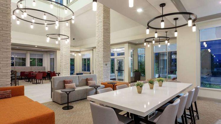 Hilton Garden Inn Shoreview Lobby