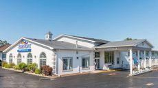 Baymont Inn & Suites Osage Beach