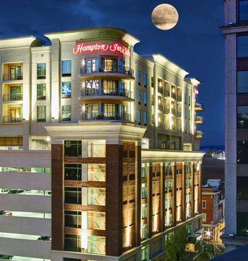 Hampton Inn & Suites Roanoke-Downtown