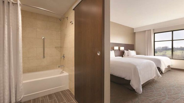 Embassy Suites Akron Canton Airport Room