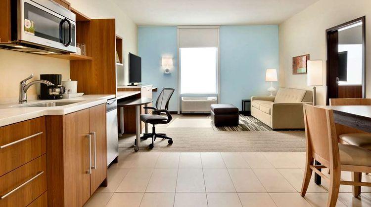 Home2 Suites by Hilton Edmond Room