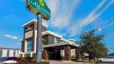 La Quinta Inn & Suites Dallas I-35