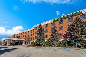 La Quinta Inn & Suites American Center