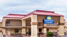 Days Inn & Suites Warner Robins