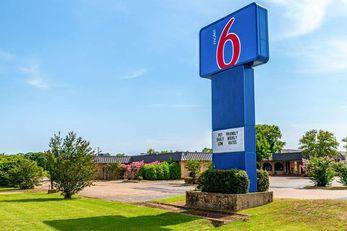 Motel 6 Natchitoches