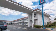 Motel 6 Norwalk