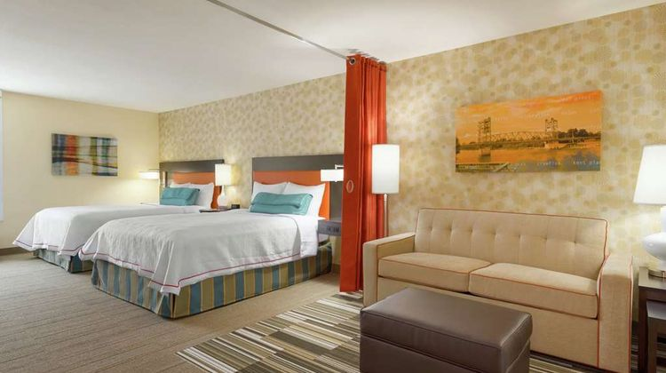 Home2 Suites by Hilton Alexandria Room