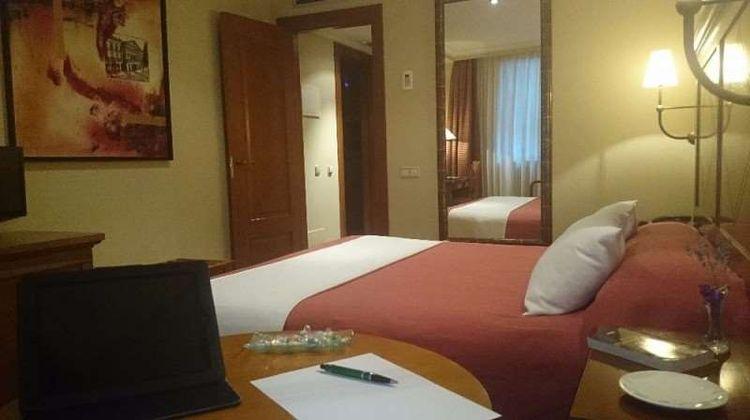 Hotel Villava Room