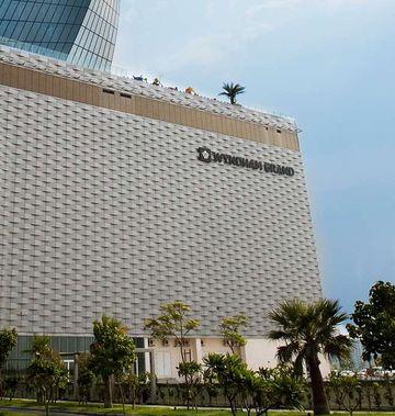Wyndham Grand Manama Hotel