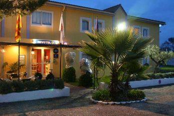 Brit Hotel Salon de Provence