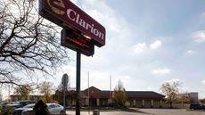 Clarion Hotel Detroit Metro Airport