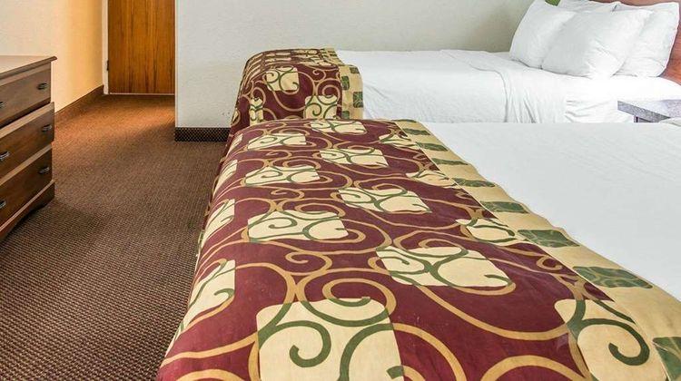 Clarion Inn Kalamazoo Room