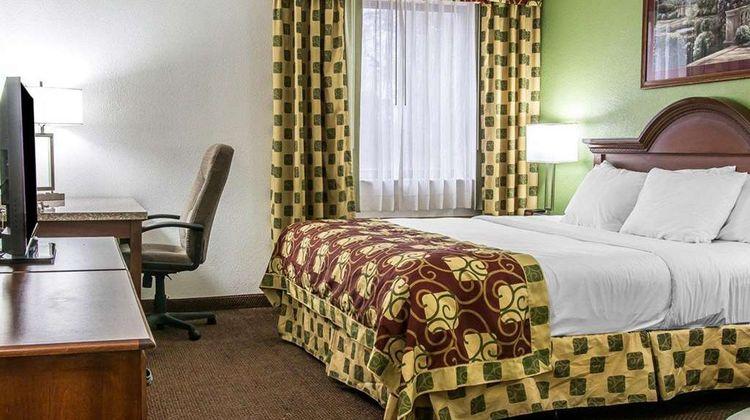 Clarion Inn Kalamazoo Suite