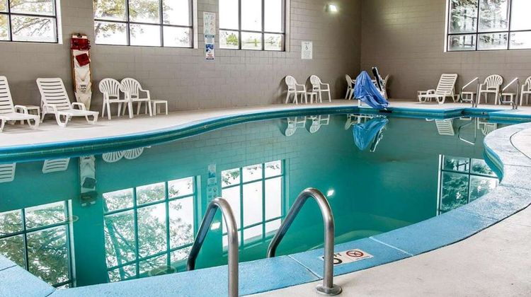 Clarion Inn Kalamazoo Pool