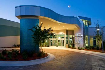 Oasis Hotel & Conv Center, Ascend Hotel